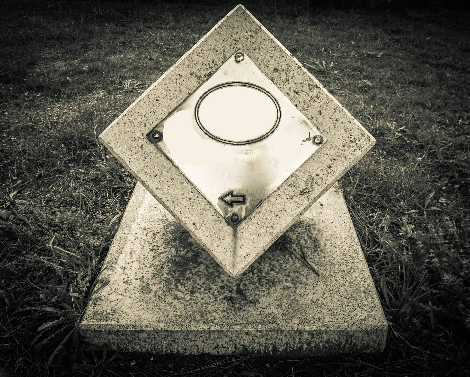 plaque funéraire moderne et originale